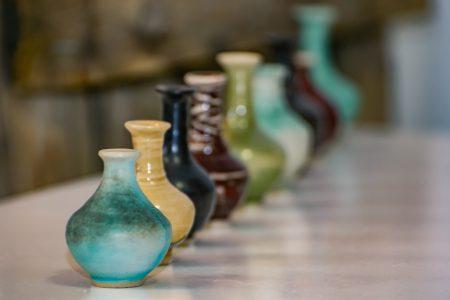 Keramiska små vaser